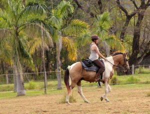 horseback-riding-what-to-wear-summer