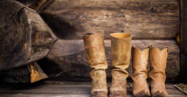 comfortable-cowboy-boots-walking