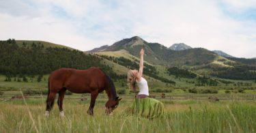 b-luxe-cowgirl-yoga-retreat