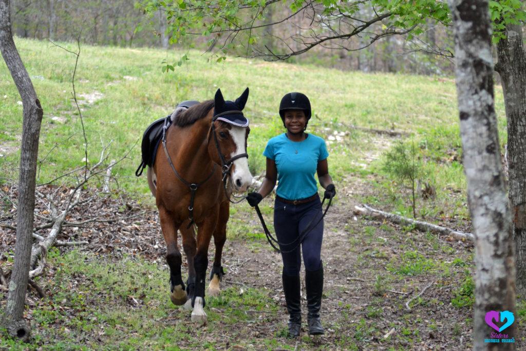sarah harris leading horse