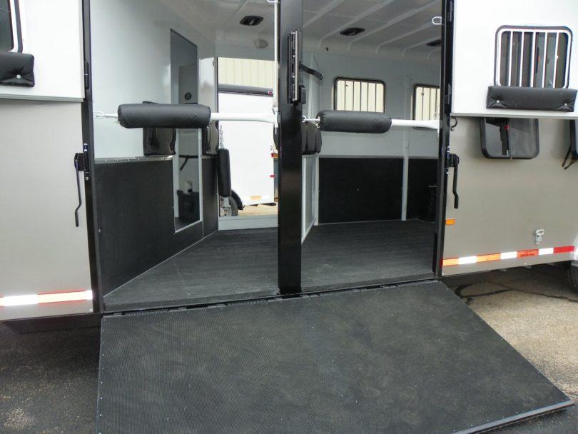 double d horse trailer